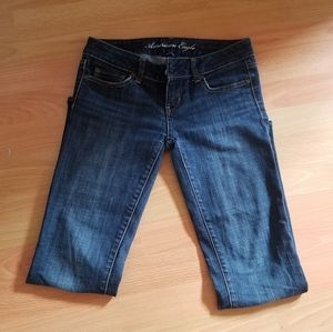 Straight medium wash low rise American Eagle jeans